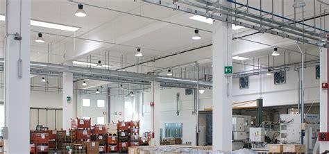 illuminazione capannoni efficientamento energetico nell industria crea luce led