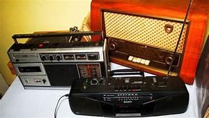 Old Radios As Smartphone Docking Stations    Tube Radios