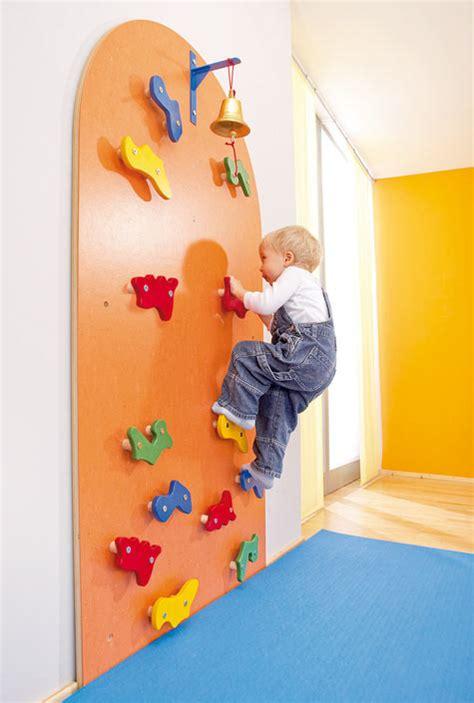 mur d escalade cr 232 che b 233 b 233 youpi activite enfant escalade mur et jouets pour b 233 b 233 s