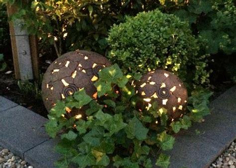 Kugel Beleuchtung Garten by Gartenkugeln Margit Hohenberger Keramik Kunst