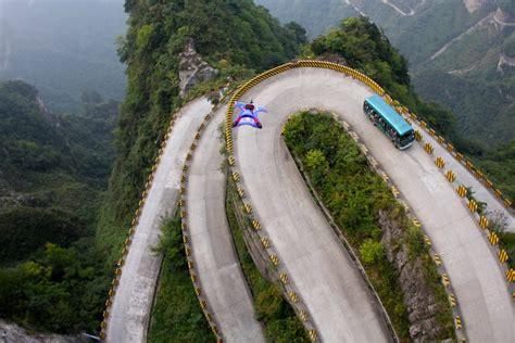 otra vista aerea de la montana carreteras peligrosas