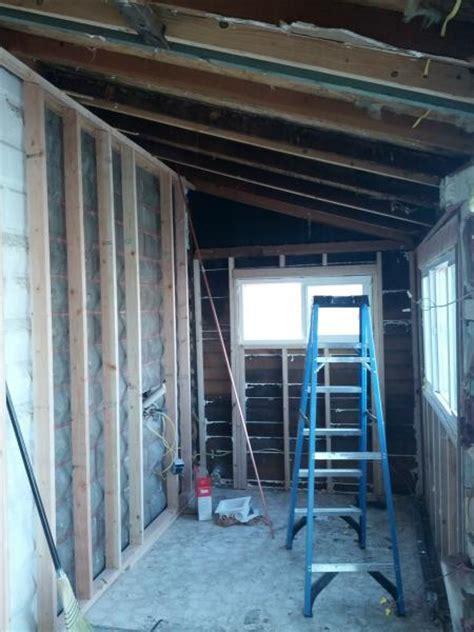 ideas  lighting  room   sloped ceiling