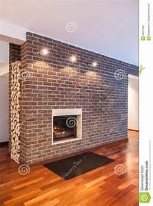 Mur En Brique Intérieur : maison de pays mur de briques image stock image 29247083 ~ Melissatoandfro.com Idées de Décoration