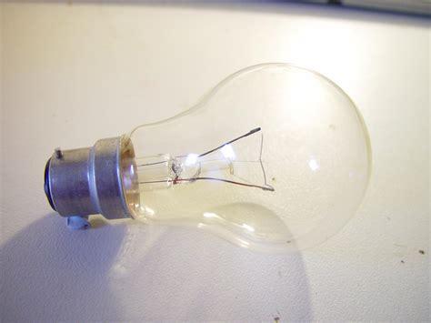 empty light bulb file light bulb clear bayonet fitting jpg wikimedia commons