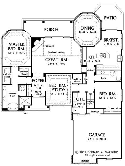 Country Style House Plan - 3 Beds 2 Baths 1929 Sq/Ft Plan