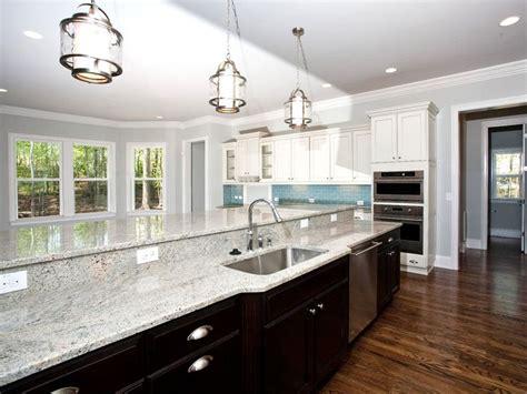 oak cabinets in kitchen best 25 light granite countertops ideas on 3562