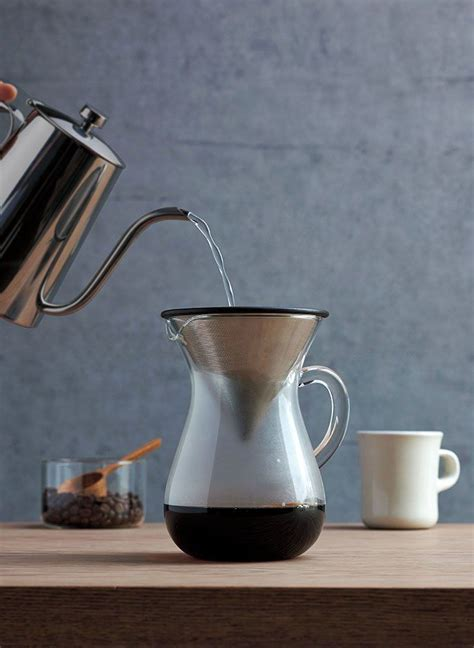 This percolator produces a notoriously robust cup of coffee while also allowing you to have more control over the as we have already stated, a stovetop percolator is a small kettle with a little water chamber at the. No Plug, No Problem: 4 Easy Alternatives to Brewing the Perfect Cup of Coffee in 2020 (With ...