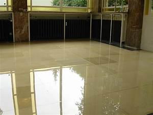 Reinigung Von Marmor : marmor polieren steinsanierung ~ Michelbontemps.com Haus und Dekorationen
