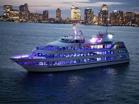 Nyc Boat Tours by 11 Best Boat Tours In Nyc To Book Today