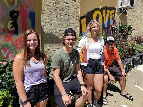 'Dream Team' keeps downtown colorful - News - Journal ...