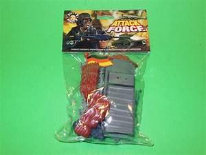 PrestoMart: Vintage Plastic Toy Soldiers ATTACK FORCE SET MOC