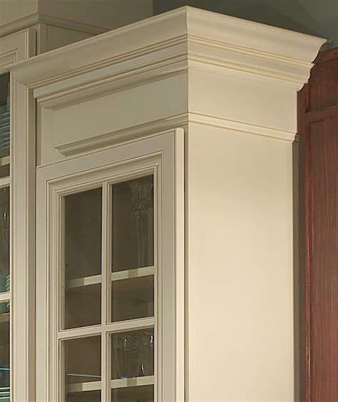 crown moulding kitchen cabinets trim and crowm molding on cabinets do you like to do it 6308