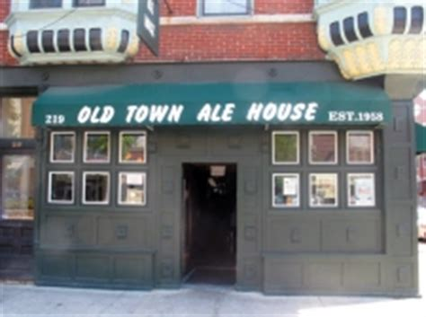 town ale house palin depicted in chicago bar pajamadeen