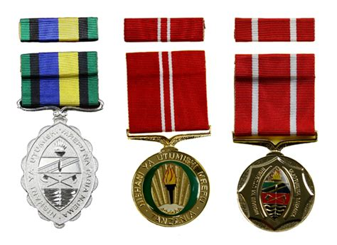 Awards And Decorations Uk by Orders Decorations And Medals Selcraft Uk