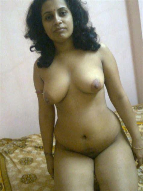 Gujarati Desi Aunty Big Milf Boobs Hot Sexy Pictures