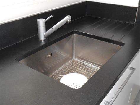 cuisine plan de travail granit noir plan de travail en granit noir zimbabwé pour cuisine à
