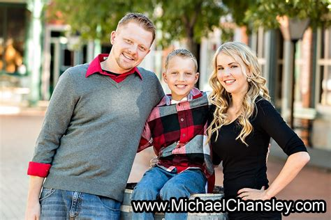 fun family portrait photo ideas  trail dust town