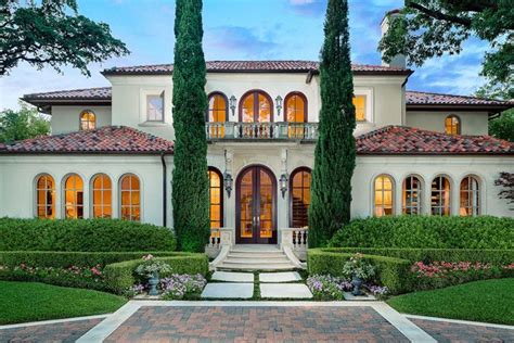 25 luxury home exterior designs page 3 of 5