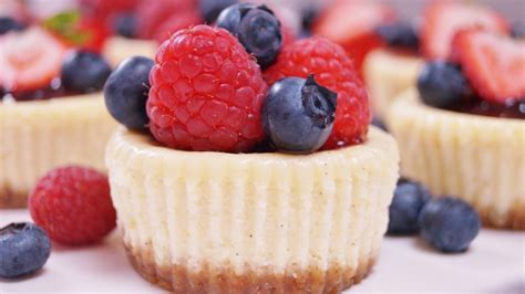 berry canapes mini cheesecakes i recipe dishmaps