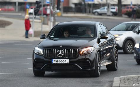 Outstanding suitability for everyday use and palpably more dynamics. Mercedes-AMG GLC 63 S Coupe C253 2018 - 10 March 2018 ...