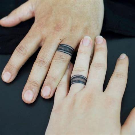 le tatouage bague remplace lalliance de mariage regardez
