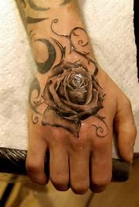 Rose En Tatouage : belle rose noir tattoo sur la main tatouage fleur pinterest tatouage fleur tatouages et ~ Farleysfitness.com Idées de Décoration