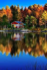 Autumn Lake Cabin in Woods