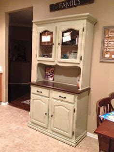 kitchen cabinets maple an upcycled kitchen hutch finished in white chalk 3087