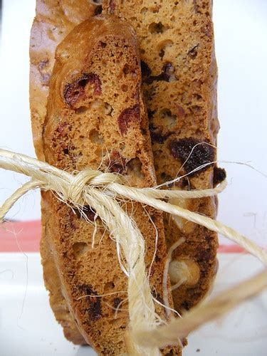 I prefer a biscotti that is a bit chewy in the middle and crunchy on the outside. Cranberry Apricot Biscotti - Gluten Free Cranberry Almond ...