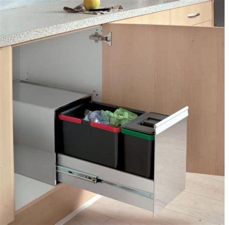 poubelle tiroir cuisine poubelle de cuisine inox coulissante de tri sélectif