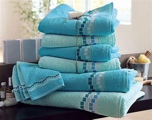 Serviette De Bain : serviette toilette ~ Teatrodelosmanantiales.com Idées de Décoration