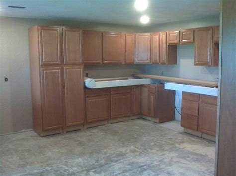 kitchen cabinets lowes showroom kitchen cabinets lowes kitchen cabinets in stock 6202