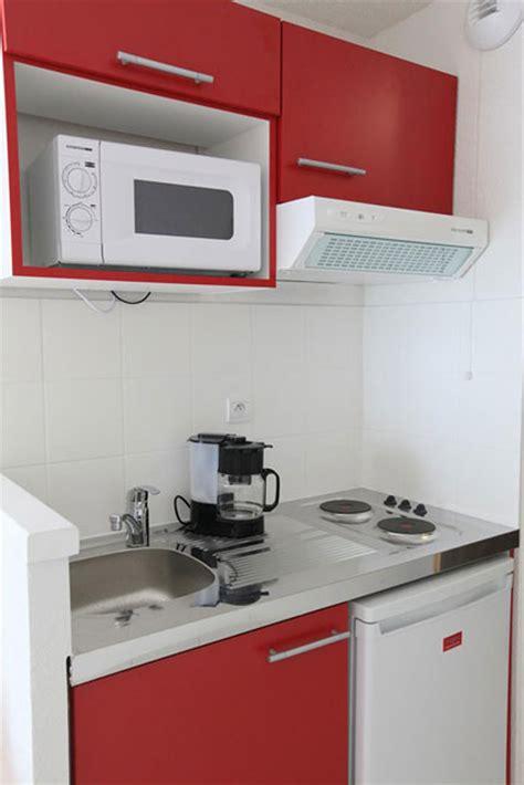 cuisine dans studio idee decoration pour cuisine