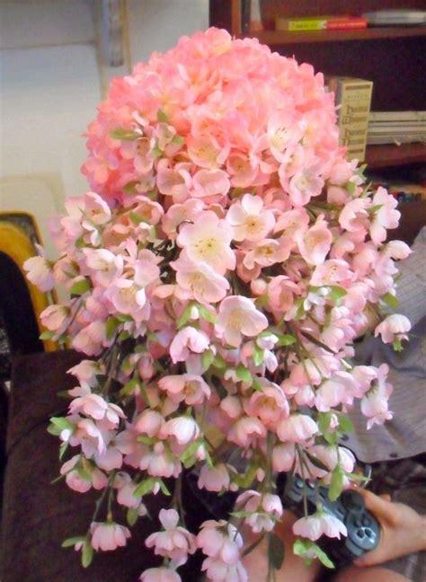 diy cascading cherry blossom bouquet pic heavy