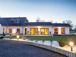 Haus Im Landhausstil : individuelles fertighaus energieeffizient nachhaltig petershaus ~ Markanthonyermac.com Haus und Dekorationen