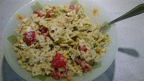 salade de pates italienne pesto salade de p 226 tes mozzarella tomates et pesto maison