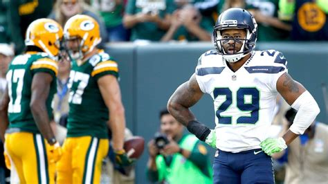 seattle seahawks banged  defense    earl