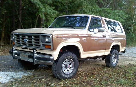 FORD BRONCO - 144px Image #4