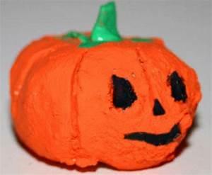 Basteln Halloween Mit Kindern : basteln mit kindern kostenlose bastelvorlage halloween halloween k rbis aus ton ~ Yasmunasinghe.com Haus und Dekorationen