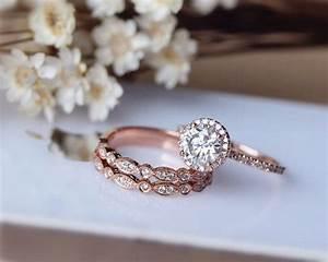 Tiffany Ring Verlobung : 1ct brilliant moissanite engagement ring 3 ring von julianstudio wedding pinterest ring ~ Orissabook.com Haus und Dekorationen