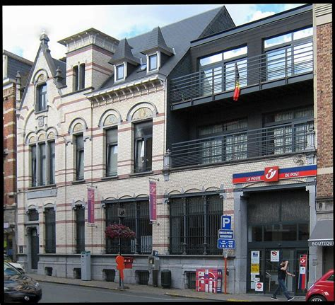 fa 231 ade et d 233 tails bureau de poste de la rue du postillon