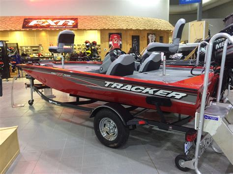 Tracker Boats Canada by 2017 Tracker Pro Team 175 Txw Boat For Sale 17 Foot 2017