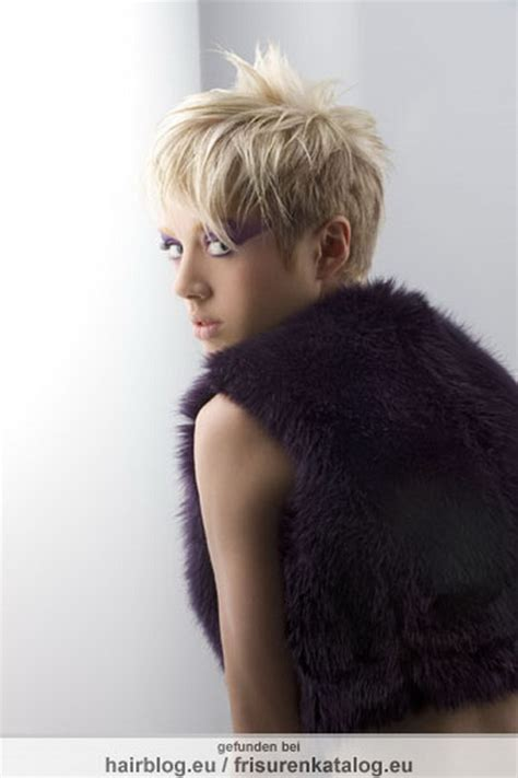 freche kurzhaarfrisuren blond