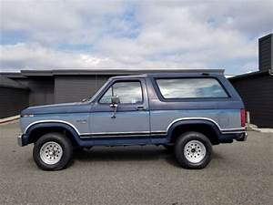 Rare  1986 Ford Bronco 4x4 Manual