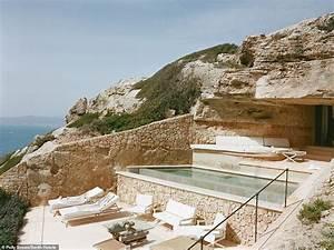 Cap Rocat Mallorca : world 39 s sexiest bedrooms revealed daily mail online ~ Eleganceandgraceweddings.com Haus und Dekorationen