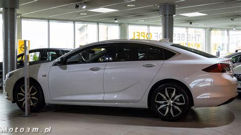 Opel Pl by Nowa Insignia Debiutuje W Tr 243 Jmiejskich Salonach Opla