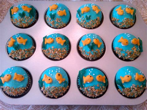 cupcake designs easy cute and simple cupcake designs www pixshark com images galleries with a bite