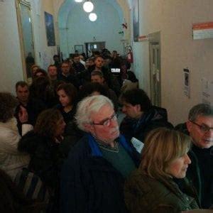 Ufficio Elettorale Napoli by Elezioni Disagi A Napoli E Pozzuoli Per I Documenti