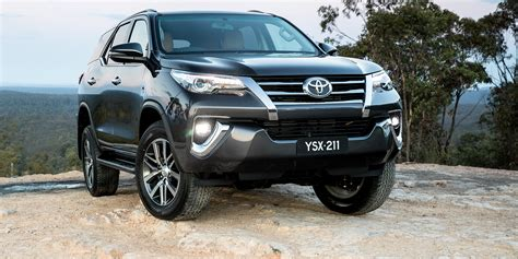 Toyota Fortuner Photo by 2018 Toyota Fortuner Pricing And Specs Photos