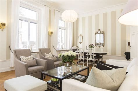 Striped Wallpaper Living Room Ideas by Striped Wallpaper Living Room Home Decor And Colors
